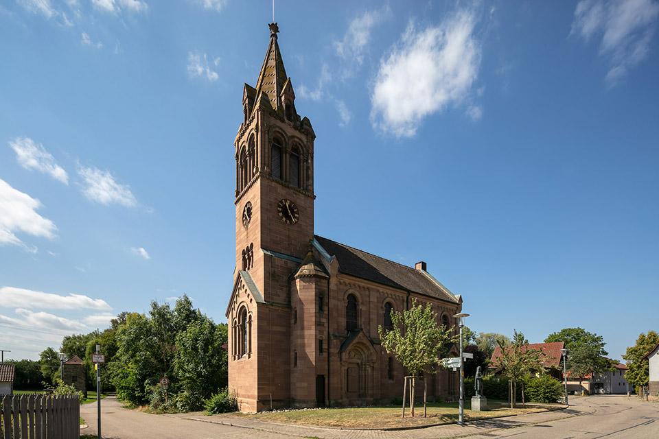 Henri Arnaud Kirche